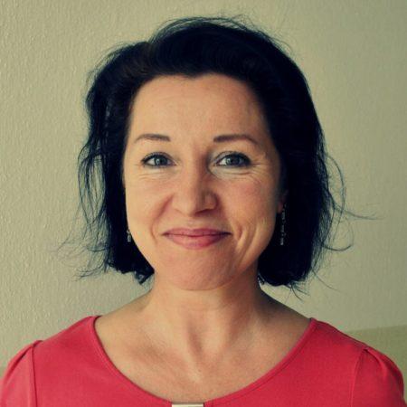 Mgr. Regina Šverdíková