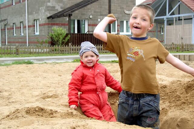Děti na pískovišti