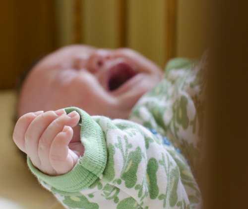Omezme dobrovolné pobyty dětí v kojeneckých ústavech
