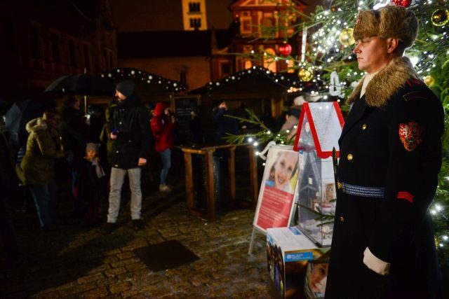 SOS dětské vesničky rozsvítí už po dvaadvacáté vánoční strom na Pražském hradě